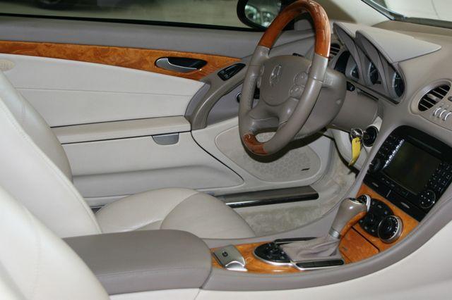 2007 Mercedes-Benz SL550 5.5L V8 Houston, Texas 16