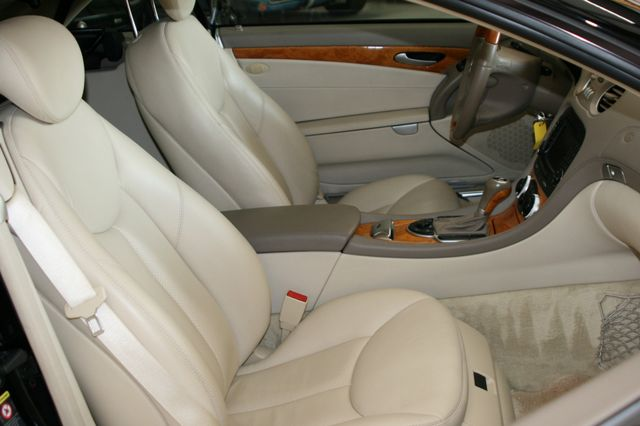 2007 Mercedes-Benz SL550 5.5L V8 Houston, Texas 17