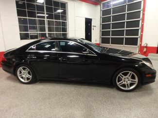 2007 Mercedes Cls550 Stunning LOOKS, AWESOME POWER,  COMPLETELY LOADED. Saint Louis Park, MN 1