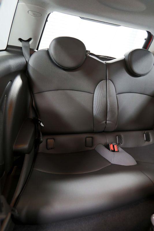 2007 Mini Hardtop S - Sport pkg - Manual - Xenon  city California  MDK International  in Los Angeles, California