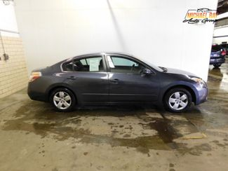 2007 Nissan Altima 2.5 S in Cleveland , OH 44111