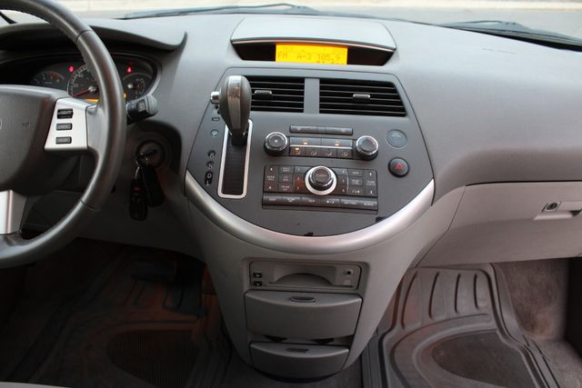 2007 Nissan Quest SL in Woodland Hills CA, 91367