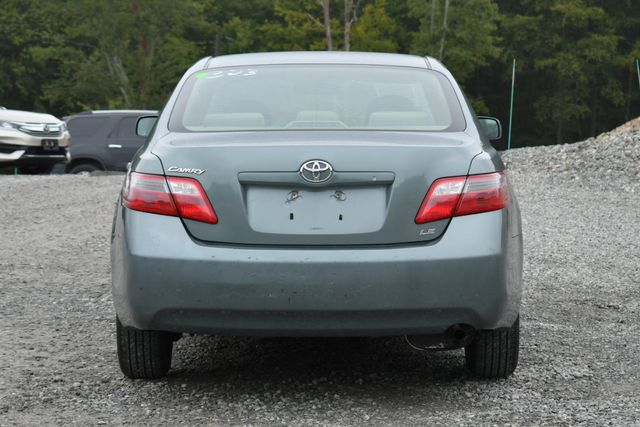 2007 Toyota Camry LE Naugatuck, Connecticut 3