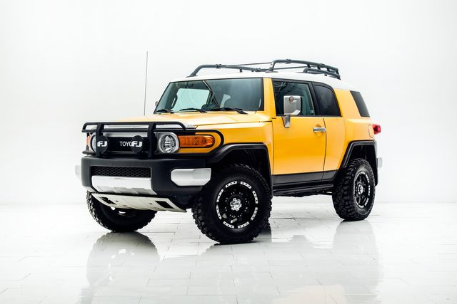 2007 Toyota FJ Cruiser 4x4 6-Speed Lifted With Upgrades in Carrollton, TX 75006
