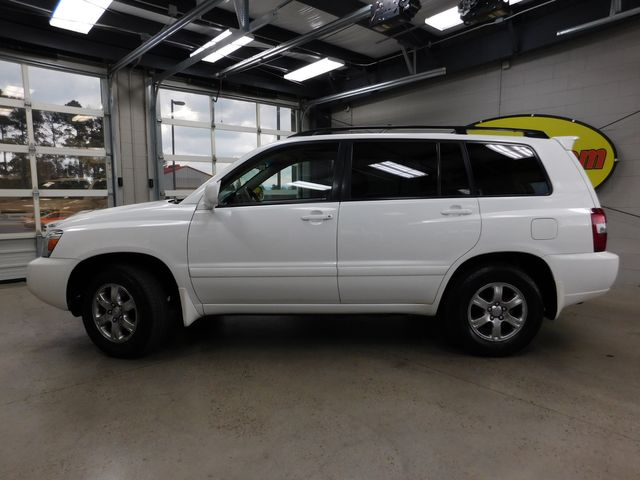 2007 Toyota Highlander Sport w/3rd Row in Airport Motor Mile ( Metro Knoxville ), TN 37777