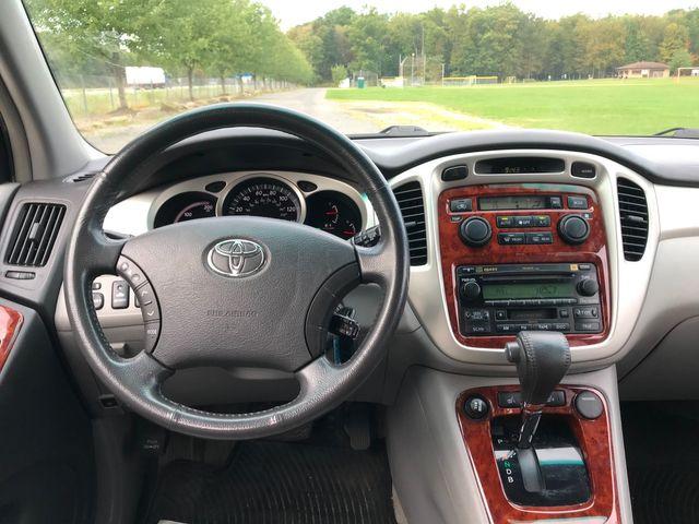 2007 Toyota Highlander Hybrid Limited w/3rd Row Ravenna, Ohio 9
