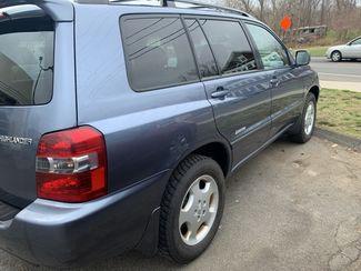 2007 Toyota Highlander w3rd Row  city MA  Baron Auto Sales  in West Springfield, MA