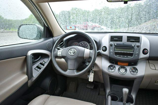 2007 Toyota RAV4 Limited 4WD Naugatuck, Connecticut 14