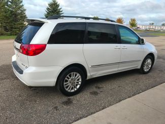 2007 Toyota Sienna XLE Ltd Farmington, MN 1