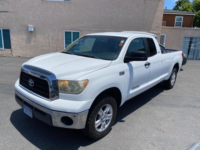 2007 Toyota Tundra 4D Double Cab SR5 4X4 W/ 8 FT. LONG BED