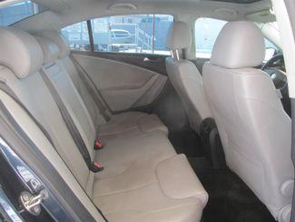 2007 Volkswagen Passat 2.0T Gardena, California 12