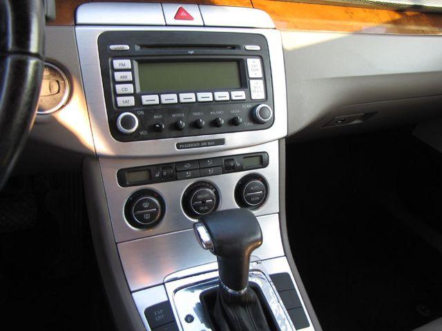 2007 Volkswagen Passat 2.0T in Medina OHIO, 44256