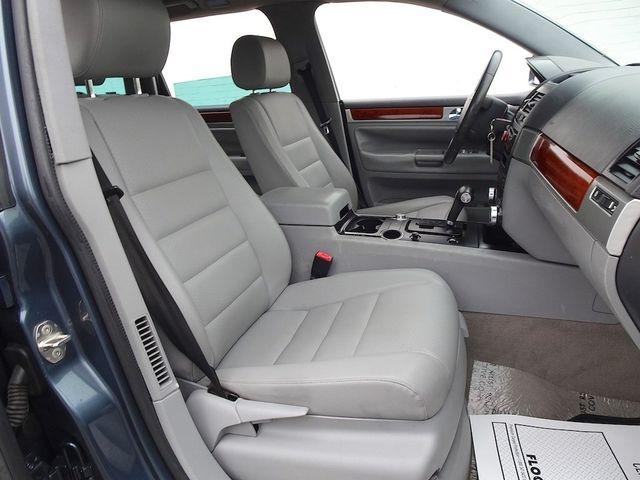 2007 Volkswagen Touareg V6 Madison, NC 36