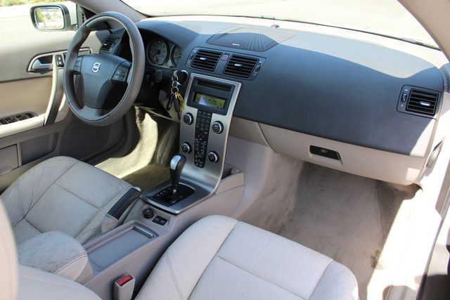 2007 Volvo C70 HARD TOP XLNT COND. SERVICE RECORDS in Woodland Hills CA, 91367