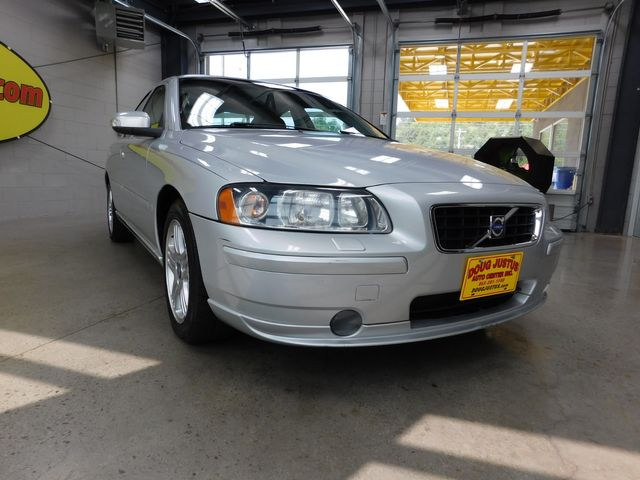 2007 Volvo S60 2.5L Turbo in Airport Motor Mile ( Metro Knoxville ), TN 37777