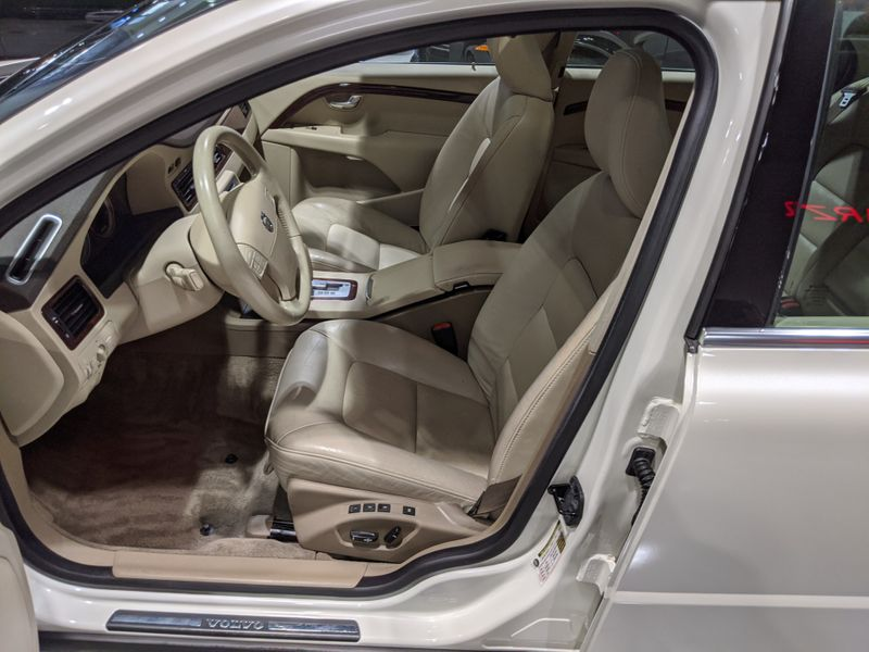 2007 Volvo S80 V8  Lake Forest IL  Executive Motor Carz  in Lake Forest, IL