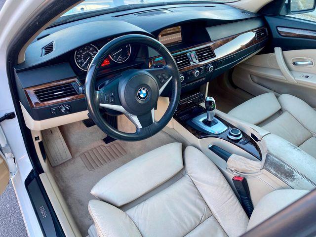 2008 BMW 528i SEDAN SPORT PKG AUTOMATIC SERVICE RECORDS NEW TIRES in Van Nuys, CA 91406
