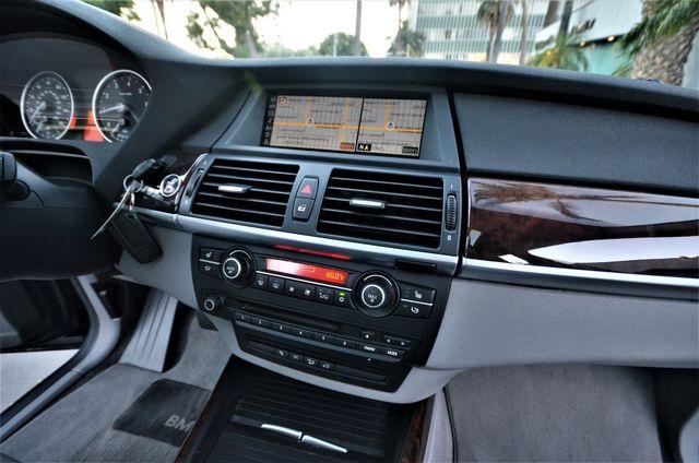 2008 BMW X5 3.0si 3RD ROW, NAVI, PANORAMIC, LOADED Reseda, CA 4
