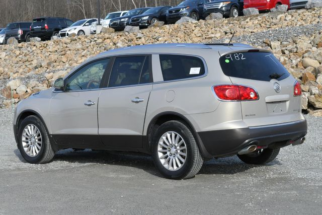 2008 Buick Enclave CXL Naugatuck, Connecticut 2