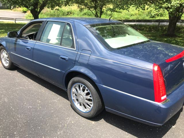 2008 Cadillac-Showroom Condition! DTS-CARMARTSOUTH.COM  BUY HERE PAY HERE OFFERED!! Knoxville, Tennessee 3