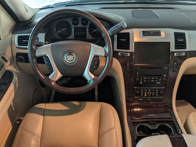 2008 Cadillac ESCALADE LUXURY (*NAVI/BACK UP CAM/REAR DVD/HEAT & COOLED SEATS*) in Campbell, CA 95008