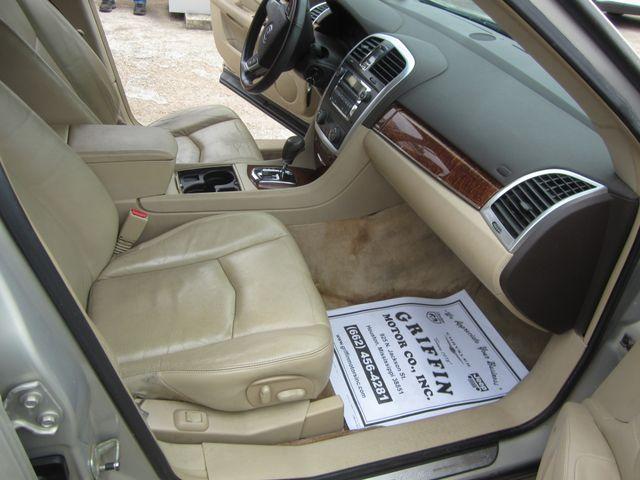 2008 Cadillac SRX RWD Houston, Mississippi 9