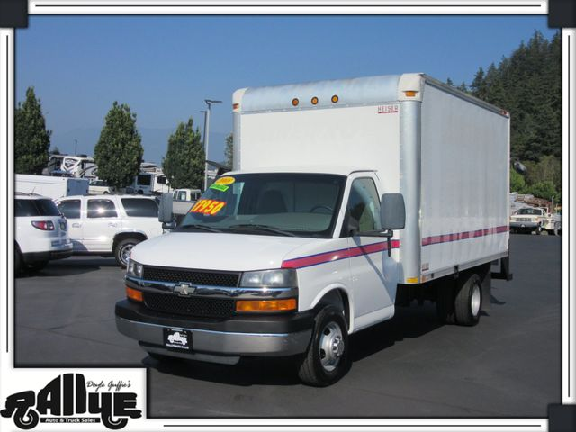 2008 Chevrolet 3500 C7N Box Van