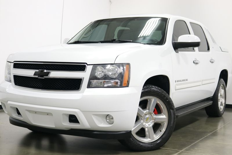 2008 Chevrolet Avalanche 4X4 LT Leather  city NC  The Group NC  in Mooresville, NC