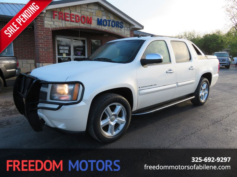 2008 Chevrolet Avalanche LTZ | Abilene, Texas | Freedom Motors  in Abilene Texas