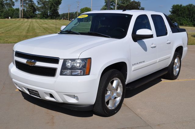 2008 Chevrolet Avalanche LT w/3LT in Bettendorf, Iowa 52722
