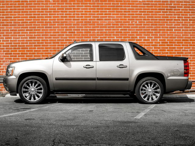 2008 Chevrolet Avalanche LT w/2LT Burbank, CA 5