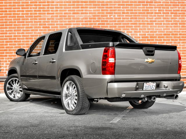 2008 Chevrolet Avalanche LT w/2LT Burbank, CA 7