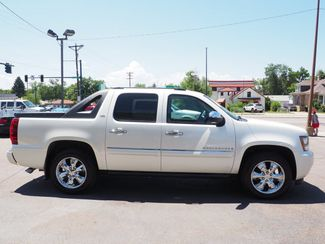2008 Chevrolet Avalanche LTZ Englewood, CO 3