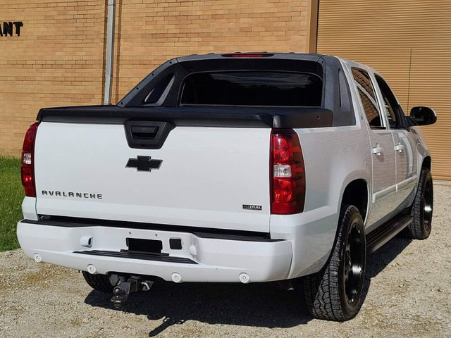 2008 Chevrolet Avalanche 2LT in Hope Mills, NC 28348
