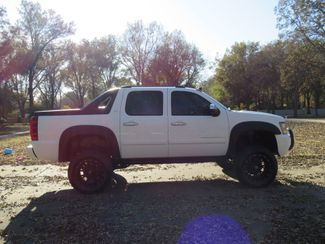 2008 Chevrolet Avalanche LTZ 4WD Customized price - Used Cars Memphis - Hallum Motors citystatezip  in Marion, Arkansas