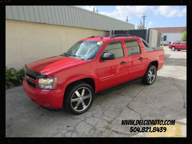 2008 Chevrolet Avalanche, Like New! Clean CarFax!