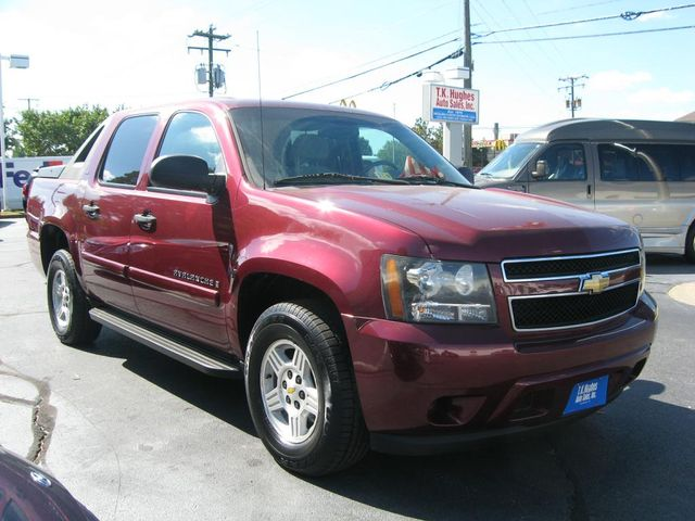 2008 Chevrolet Avalanche LS Richmond, Virginia 3