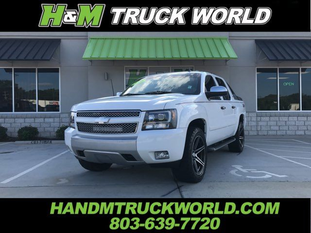 2008 Chevrolet Avalanche LT Z71 4X4 TONS OF UPGRADES. LOW MILES. BADD