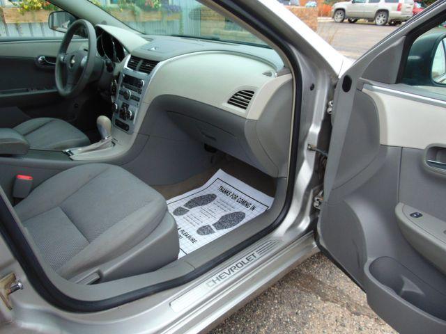 2008 Chevrolet Malibu LS Alexandria, Minnesota 24