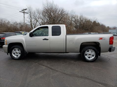 2008 Chevrolet Silverado 1500 Z71 LT  | Champaign, Illinois | The Auto Mall of Champaign in Champaign, Illinois