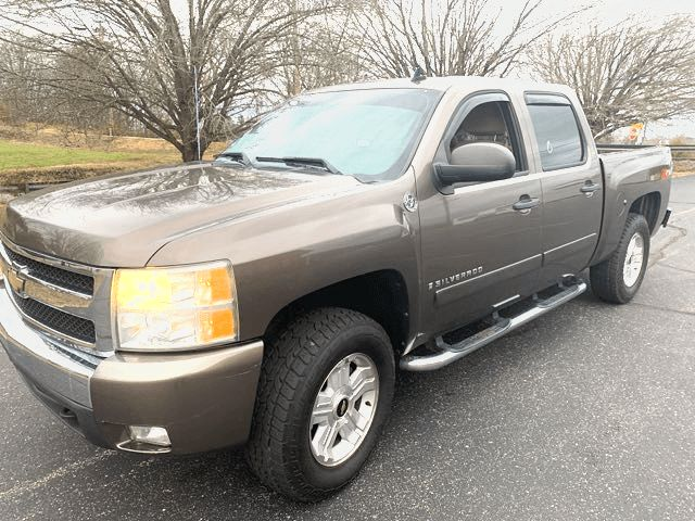 2008 Chevrolet Silverado 1500 LT in Knoxville, Tennessee 37920
