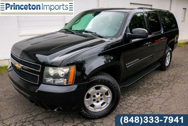2008 Chevrolet Suburban LT w/1LT 4WD - Super Clean - Newer Tires- Warranty in Ewing NJ, 08638