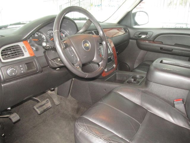 2008 Chevrolet Suburban LT w/3LT Gardena, California 4