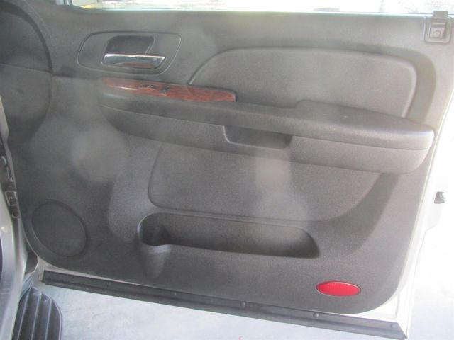 2008 Chevrolet Suburban LT w/1LT Gardena, California 12