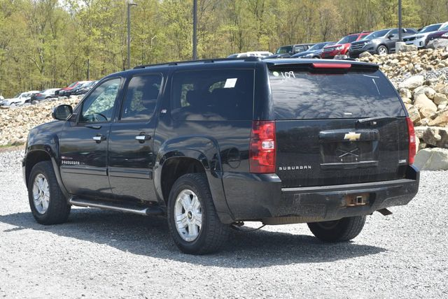 2008 Chevrolet Suburban LT Naugatuck, Connecticut 2