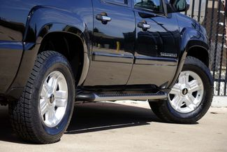 2008 Chevrolet Suburban LT * 4x4 * Z-71 * DVD * Sunroof * NAVI * BOSE *3LT Plano, Texas 26