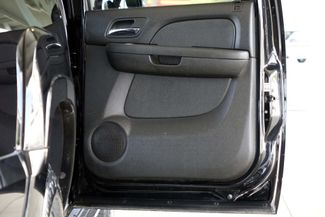 2008 Chevrolet Suburban LT * 4x4 * Z-71 * DVD * Sunroof * NAVI * BOSE *3LT Plano, Texas 43