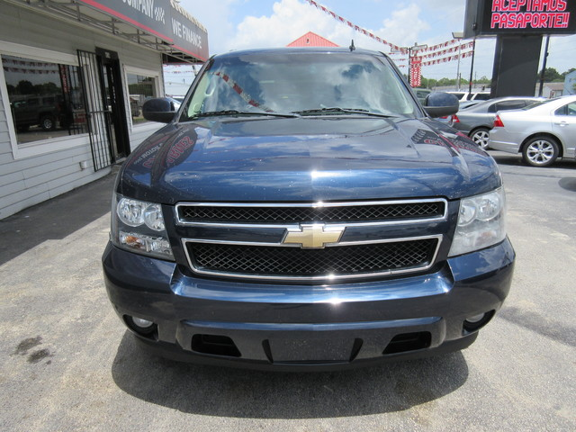 2008 Chevrolet Suburban, PRICE SHOWN IS THE DOWN PAYMENT south houston, TX 6