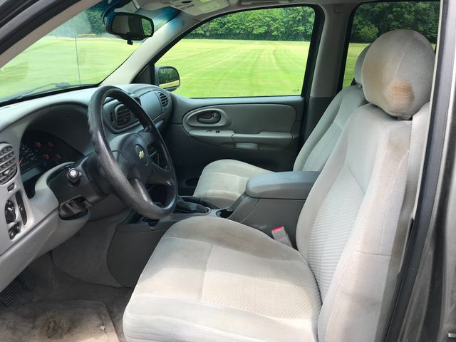 2008 Chevrolet TrailBlazer LT w/1LT Ravenna, Ohio 6