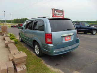 2008 Chrysler Town & Country Touring Alexandria, Minnesota 3